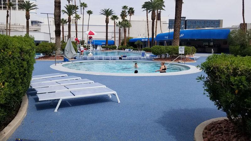 Ballys-Blu-Pool-Vegas-2