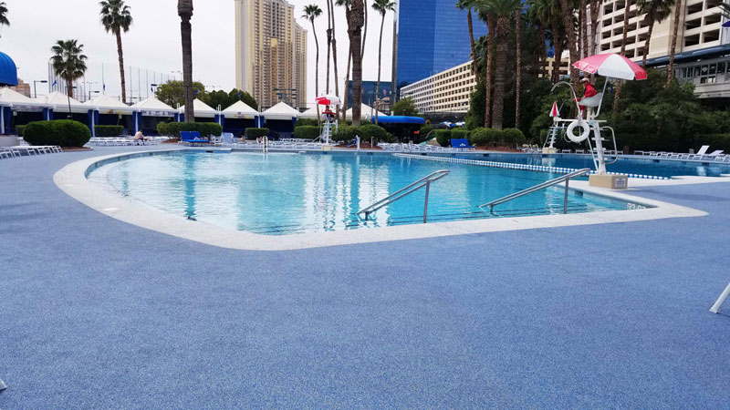 Ballys-Blu-Pool-Vegas---Pool-side-facing-pool-and-lifeguard