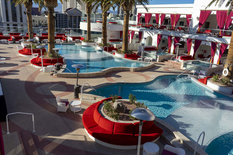 Drai_s-Club-Vegas---Main-pool-deck-view-facing-away-from-stage