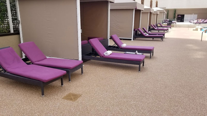 Harrahs-Vegas----loungers